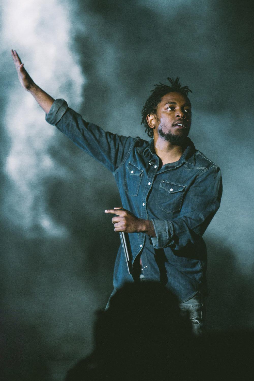 kendrick-lamar-sasquatch-2015-music-festival-main-stage-hip-hop-jean-shirt.jpg