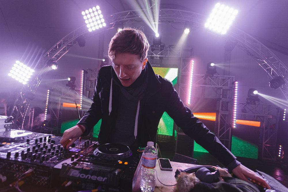 djemba-djemba-snowglobe-festival-2015-dance-tent-electronic.jpg