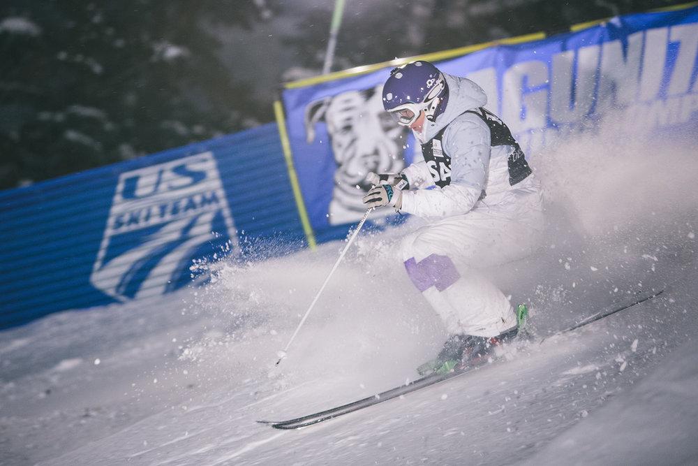 deer-valley-world-cup-moguls-dual-jump-2015-skiing-ski-winter-night.jpg