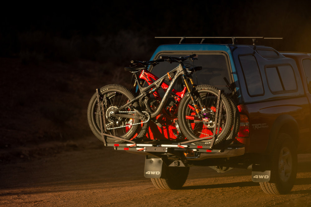 1up-usa-black-heavy-duty-double-rack-southern-utah-sunset.jpg