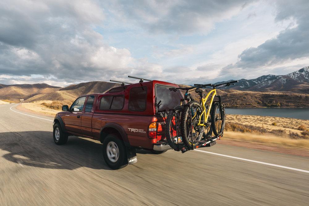 1up-usa-fdm-media-utah-heavy-duty-double-bike-rack-pivot-sklar.jpg