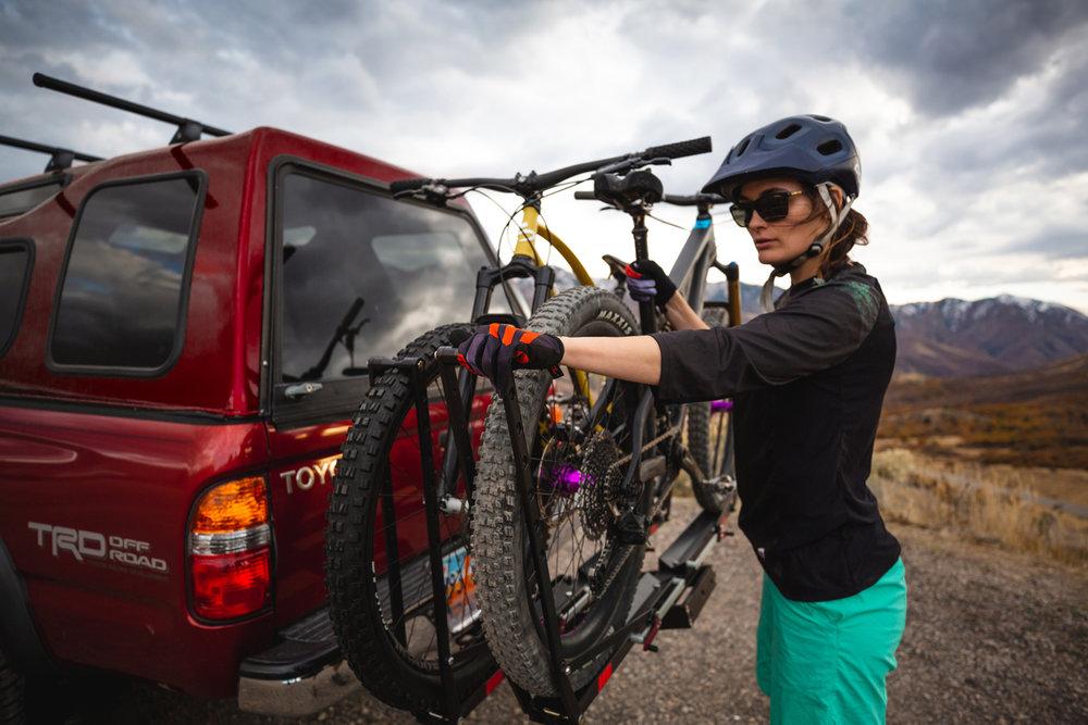 1up-usa-heavy-duty-double-black-bike-rack-pivot-sklar-toyota-tacoma-blake-bekken-sarah-hirning.jpg