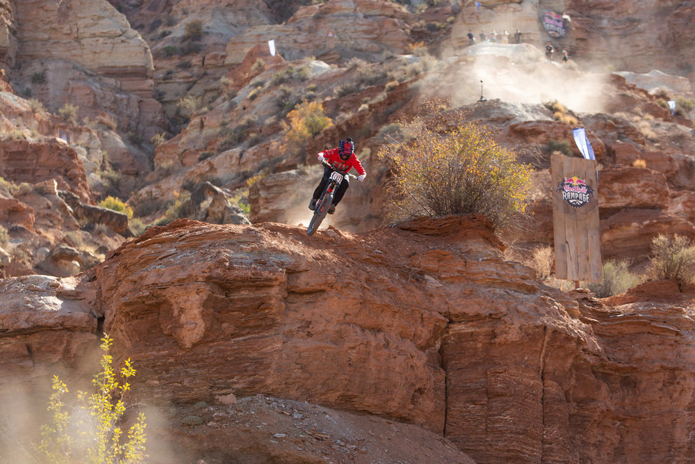 red-bull-rampage-18-remy-metailler-cliff-drop.jpg