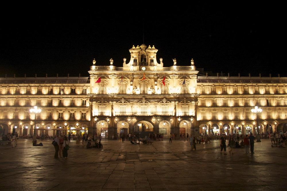 Saqué esta foto de la plaza mayor en Salamanca. Te echo de menos. <3