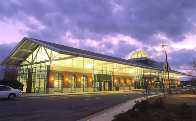 Lynchburg Airport - The Lynchburg Regional Airport connects to nearby hubs, offering a convenient way to fly to wherever you want to go. Easy access and short lines make this airport desirable.