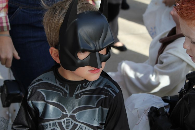 10 Halloween Safety Tips - Halloween is a time where we get our best costumes on and head out in the neighborhood for some candy. As you go this year, please consider these 10 Halloween safety tips from newinlynchburg.com