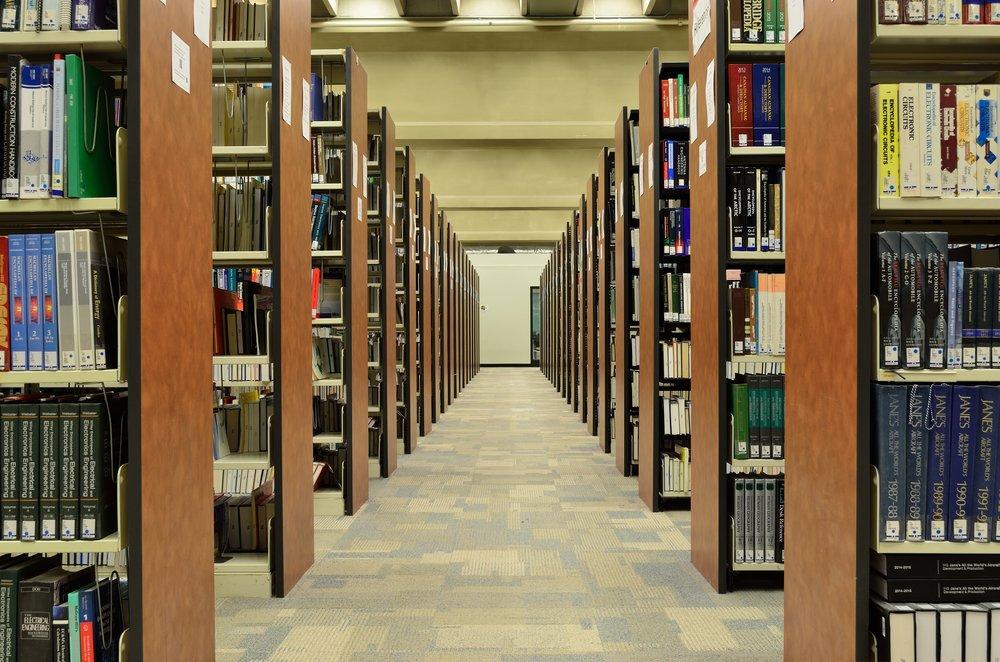 bookcase-books-bookshelves-270571.jpg