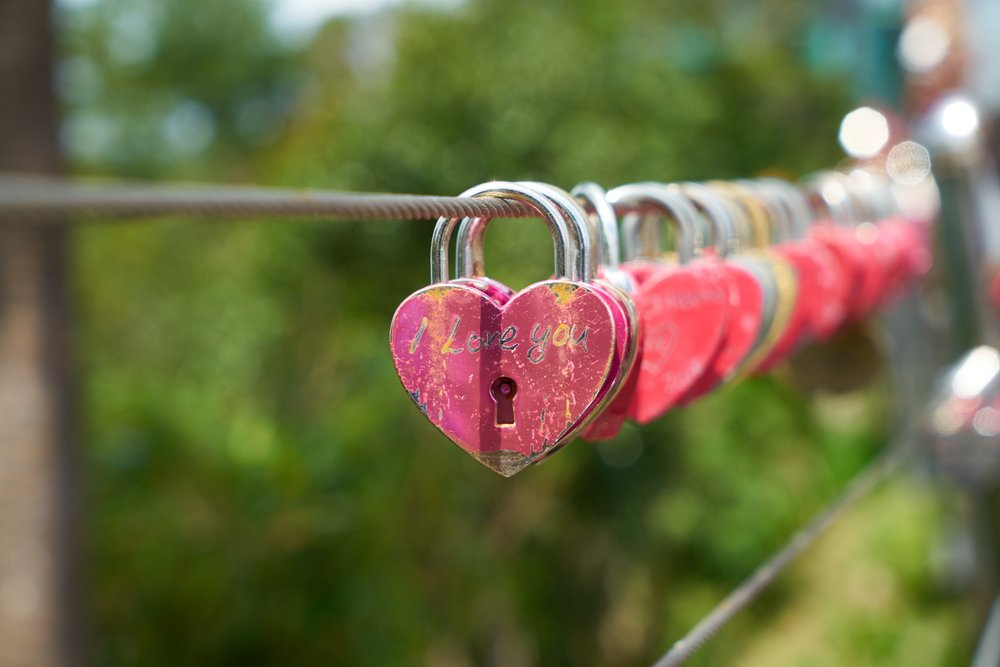 Valentine's Date Ideas in Lynchburg - No matter what you and your Valentine are into, Lynchburg has so many good date spots! Check out these fun Valentine's date ideas.
