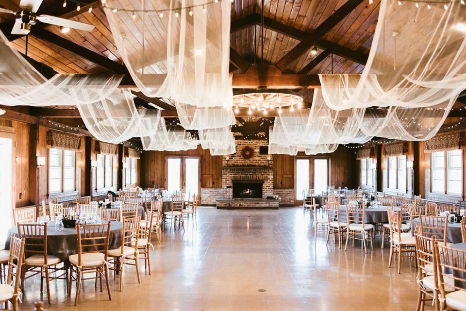 Image source:  www.meadlakelodge.com/the-lodge-1