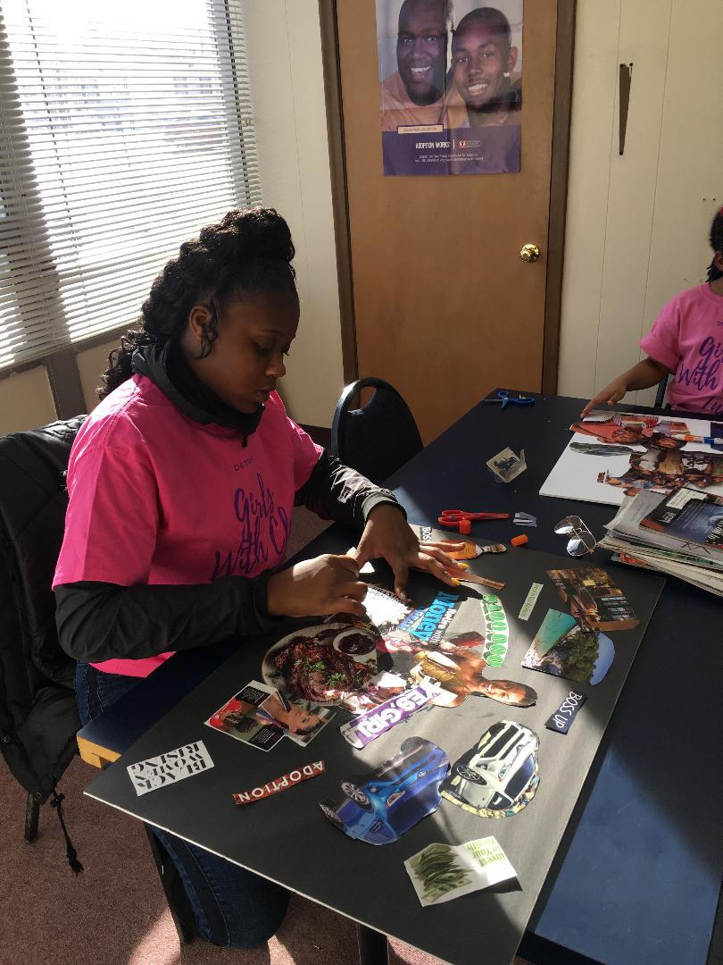 Girl #SKILLSFROMSCRATCH - Skills From Scratch build skills girls need to succeed – such as team work, communication, time management, presenting, negotiation, problem solving and financial management.