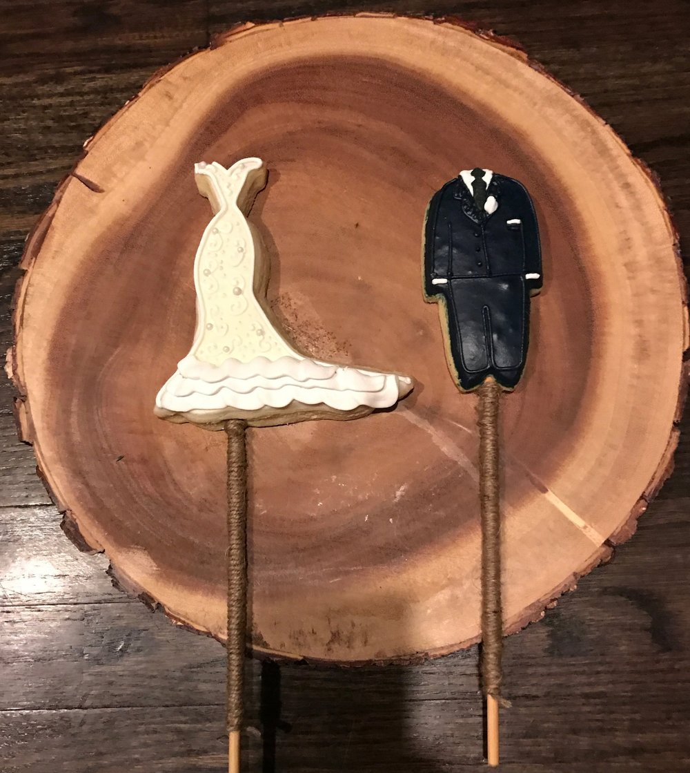 Weeding Bride & Groom Cookies.jpg
