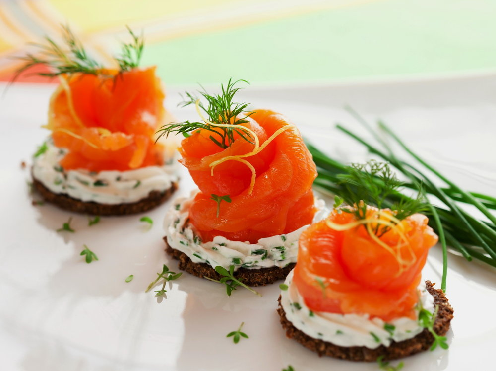 norwegian-smoked-salmon-cream-cheese-canapes-quick-healthy-recipes2.jpg