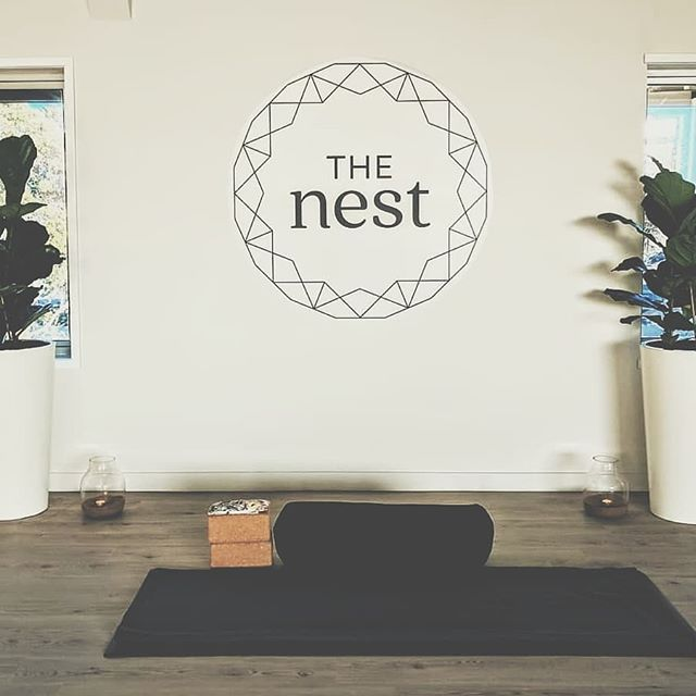 Build your internal temple.  The pose is not the goal, it never is. Do yoga to feel, not to accomplish.  Timetable for our Browns Bay and New Lynn studios can be found online, find a class that suits you and come say hey! . . . . . 📍34D Portage Road, New Lynn 📍14 Clyde Road, Browns Bay Above @huckleberrynz 🍎  HOLISTIC WELLNESS | YOGA | NATUROPATHY | MINDFULNESS | KINDNESS  www.the-nest.co.nz