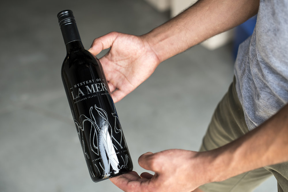Wine bottle custom etching in vancouver by Klo Lab