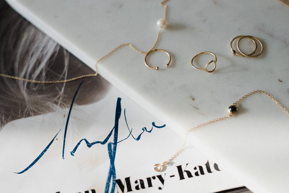 mejuri-rings-closeup-flatlay