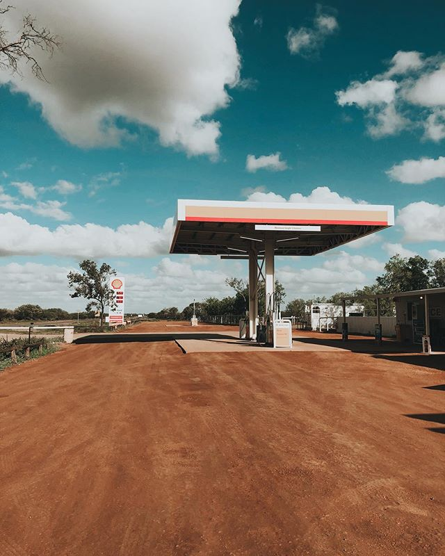 Anyone else obsessed with gas stations? I literally am intrigued by them.. how much is your local fuel (and what currency)? Wonder if it would be worth doing a tour of the globe looking for the coolest stops.. Brisbane, Australia is currently $1.57 right now. What a crock! #westernaustralia gasstation #outback #australia