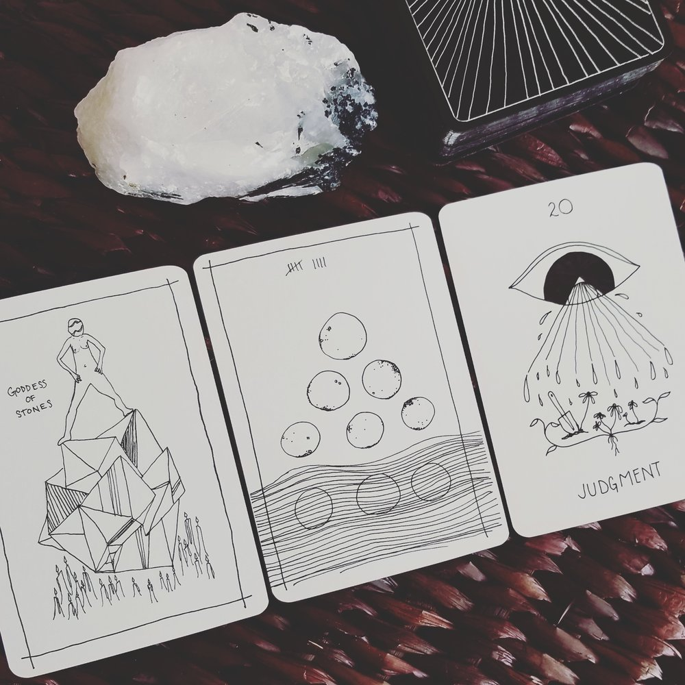 reading with the Solar Wanderer's Tarot