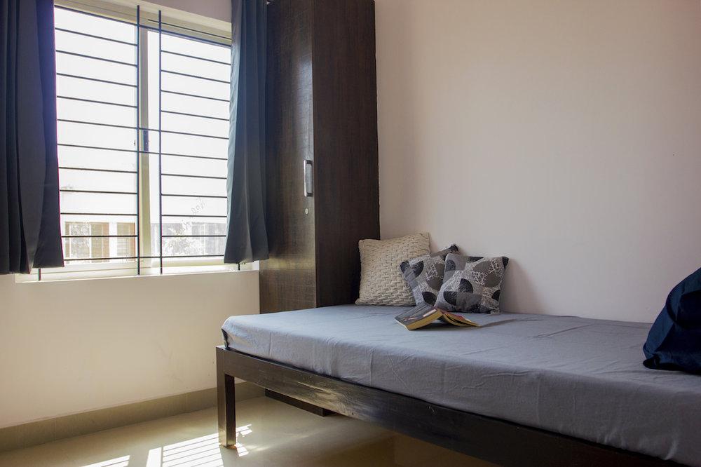 5 - Bedroom.jpg