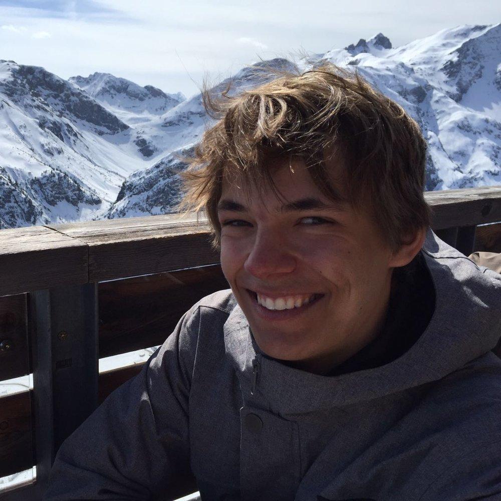 """Ben Reinhard, Marketing & PR """"Ich möchte jungen Menschen dabei helfen, ihre Idee umzusetzen, um die Welt zu einem besseren Ort zu machen, da ich denke das soziales Engagement in diesen Tagen wichtiger denn je ist."""""""