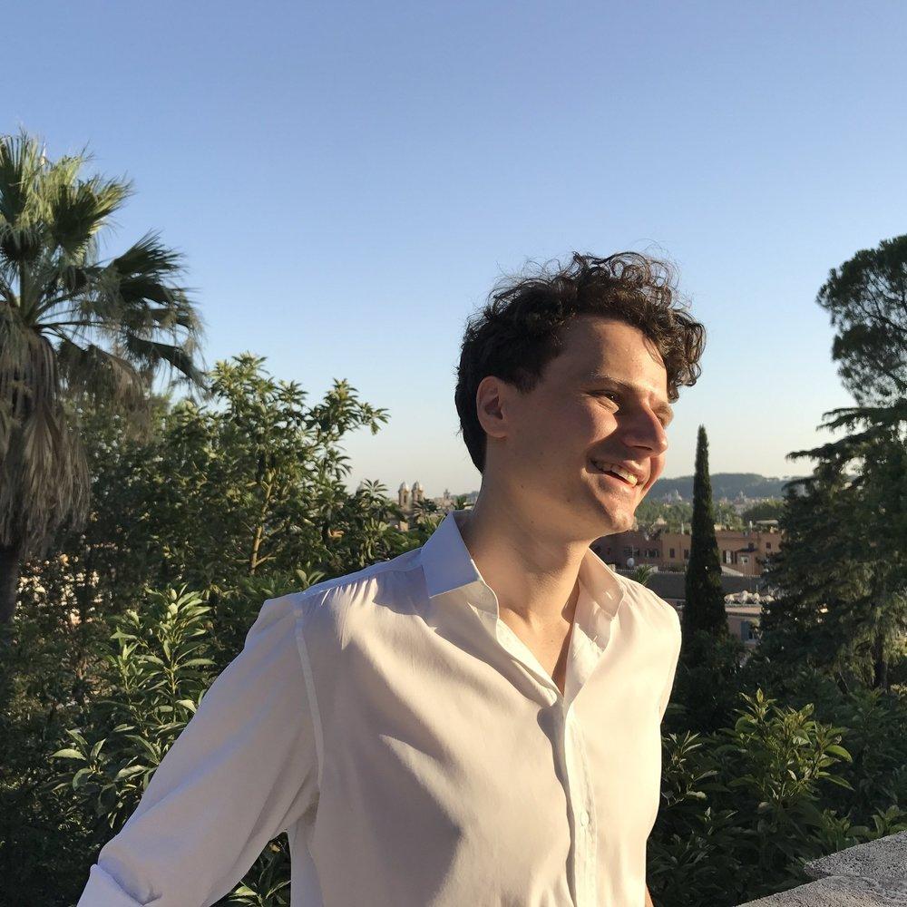 """Maximilian Schlereth, Kooperationen """"Die Zukunft können wir hier und jetzt gestalten! Mit ProjectTogether geben wir jungen Machern das Werkzeug dafür an die Hand. Gleichzeitig gilt es, die soziale Innovation der Projektgründern als Inspiration in die Wirtschaft zu tragen, um die Schnittstelle Ökonomie und Gesellschaft gemeinsam neu zu denken."""""""