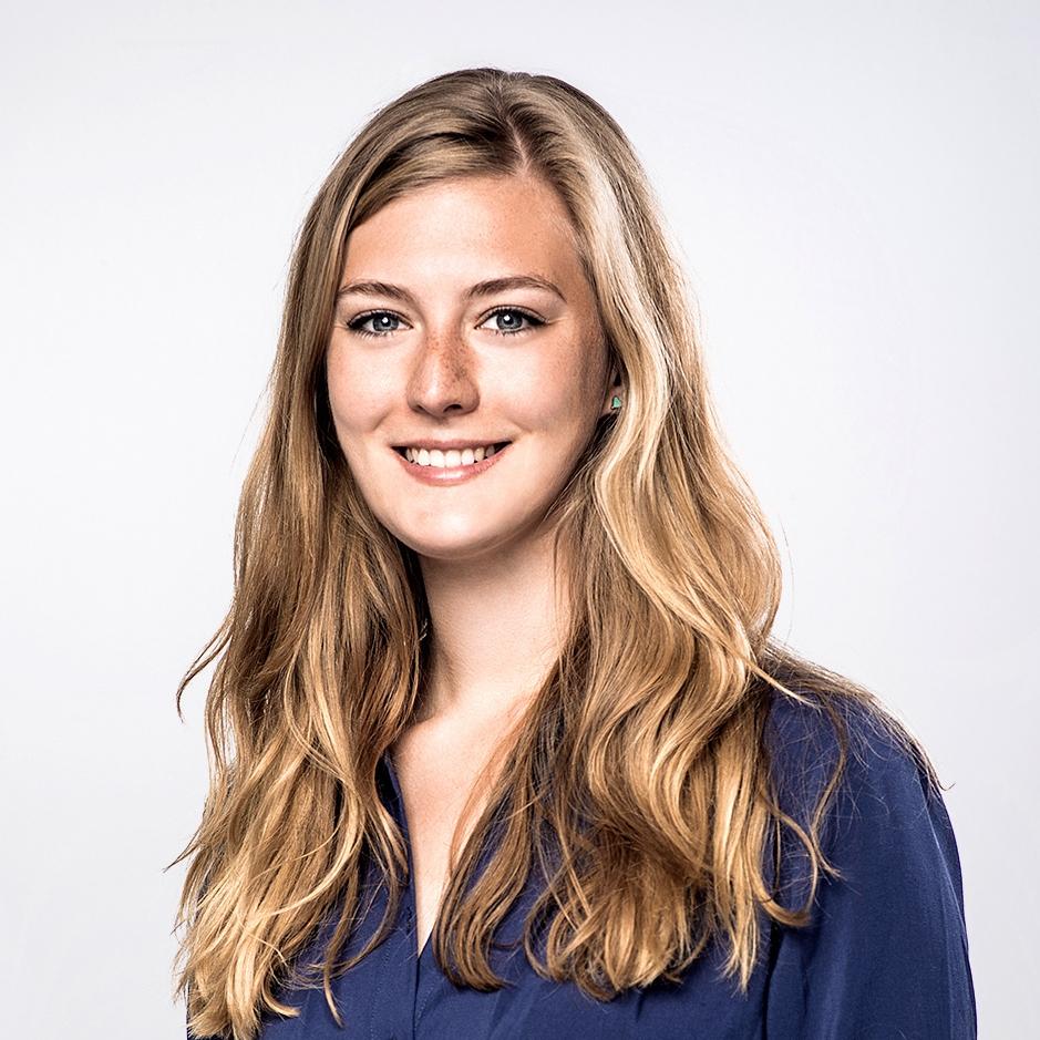 """Johanna Stiller   """"Ich mag es Projekten im Bereich Social Entrepreneurship auf ihrem Weg zu helfen und ihre starke Motivation zu erleben."""""""