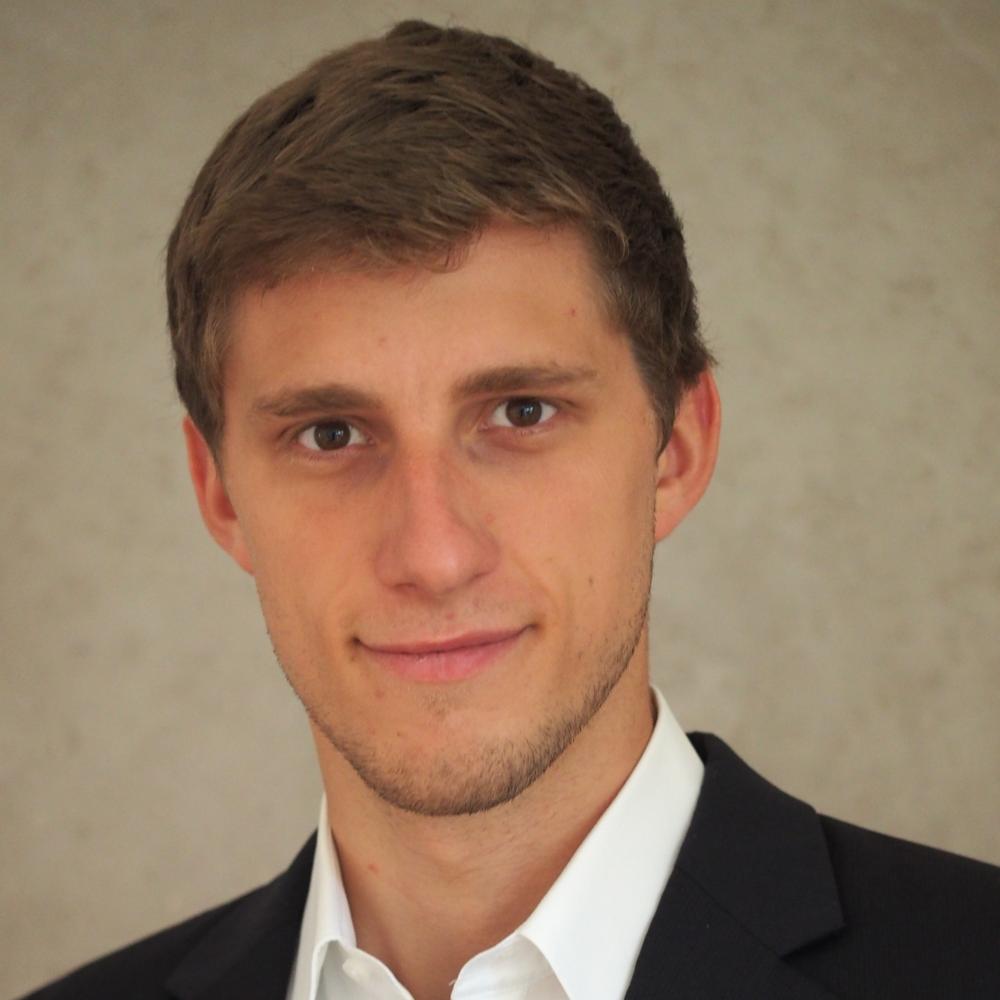 """Florian Heinricht   """"Als Coach bei ProjectTogether unterstütze ich junge Gründer, die mit ihren Projekten die Gesellschaft von heute und morgen mitgestalten. Ich kann mir kein spannenderes Ehrenamt vorstellen!"""""""