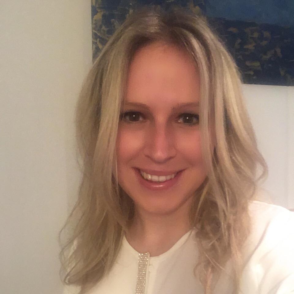 """Susanna Maier, Marketing & Communications    """"Mich faszinieren die Stimmen und Ideen unserer jungen Macher. Ich möchte, dass sie gehört werden."""""""