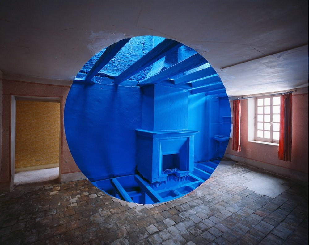 blue dot in a room perspective art
