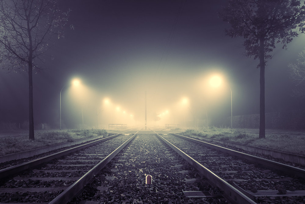 rail tracks at night: urban pictures by Andreas Levers