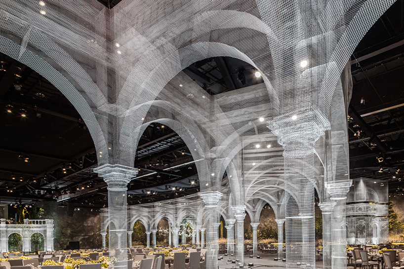 Edoardo Tresoldi recreates classical indoor architecture with wire mesh