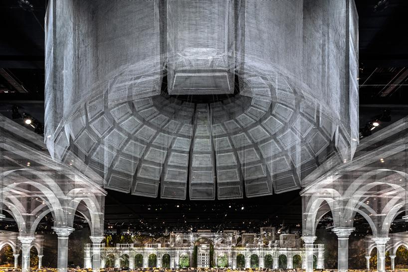Edoardo Tresoldi and Design Lab Experiences recreate classical architecture with wire mesh