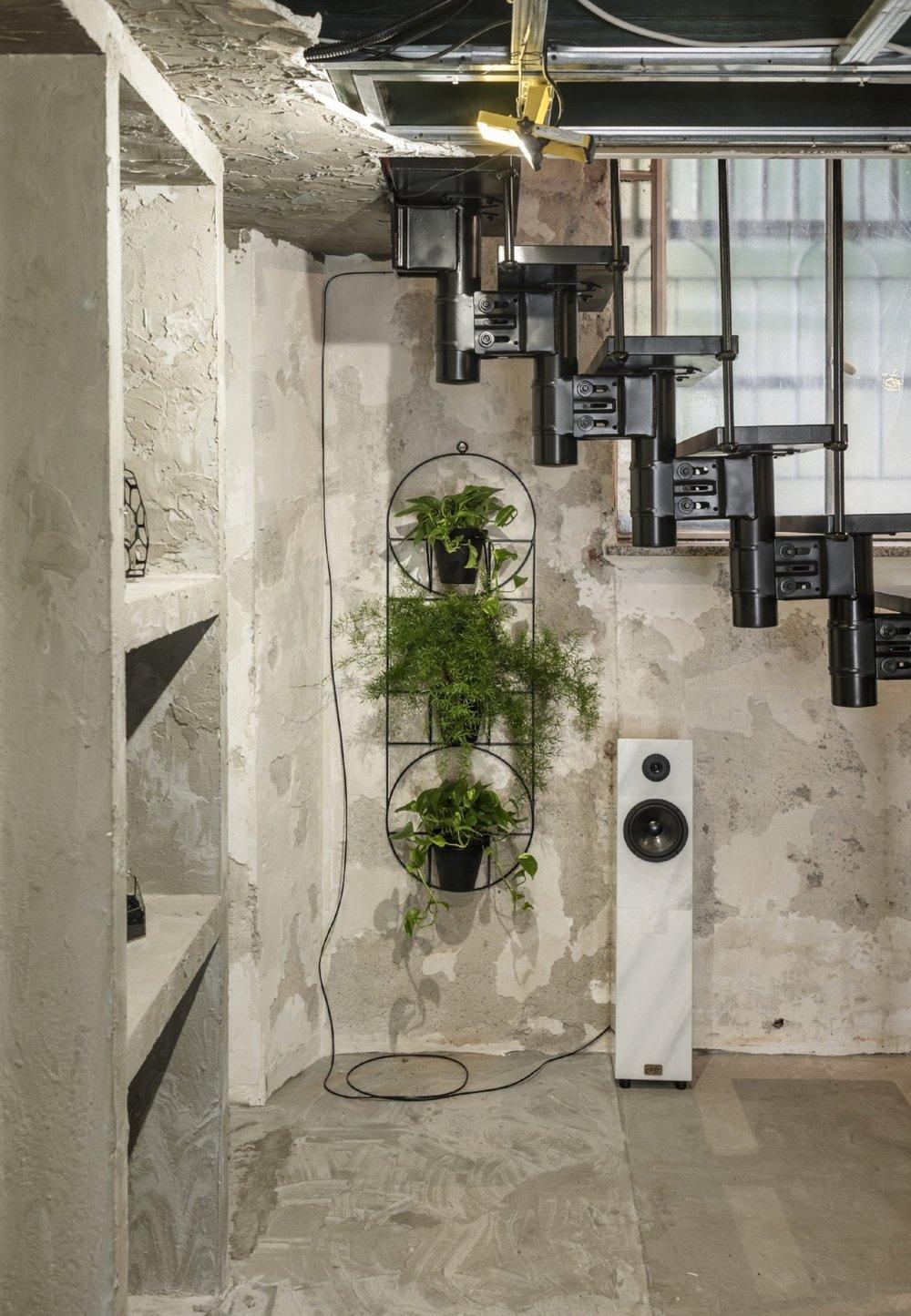 Interior store design studio for innovative retail