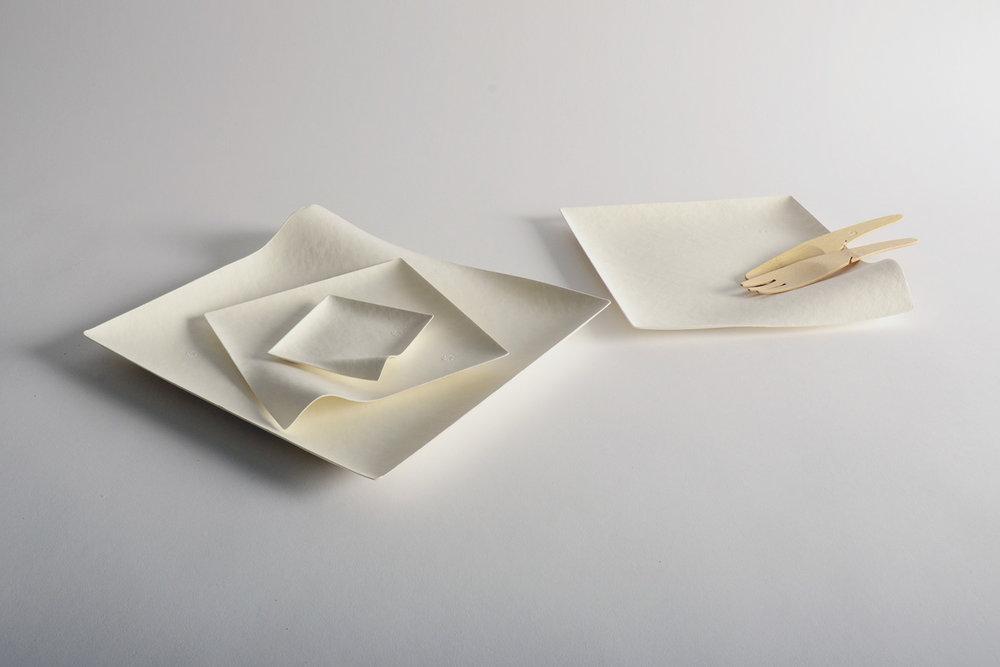 由可降解材料(甘蔗废物和竹子)制成的 WASARA 餐具