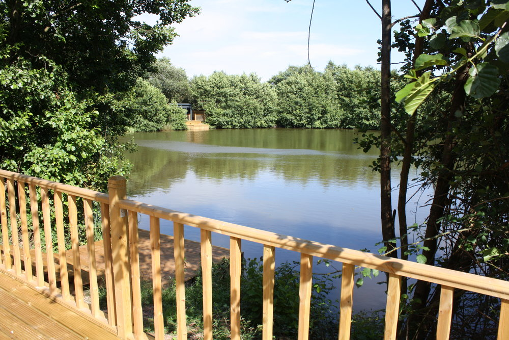 The Osprey - 4 day midweek break, Monday - Friday - £3503 day weekend break, Friday - Monday - £350Winter rates apply (£300)Check in is @ 3pm - Check out @ 10amSpecimen carp fishing included from deck2 people max