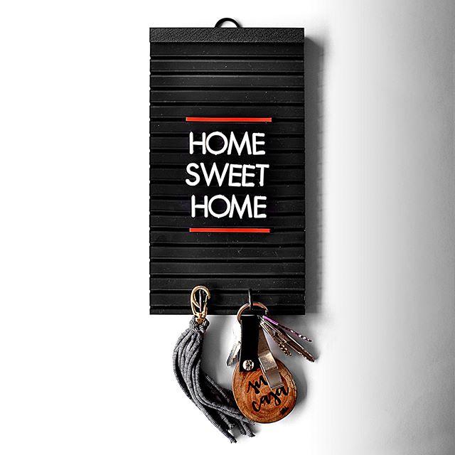 """Todos os porta chaves da linha bar padrão em Sale no site, corre 👏🏼✨❤️ ⠀ Esses quadrinhos e muitos mais com frases já prontas, na aba """"Sale"""" do site, corre lá✨ ⠀ ⠀ Quadrinho Porta Chaves da Linha Bar padrão com frase pronta: R$40😘 ⠀ Compre pelo site: letrinharia.com.br ⠀ ⠀  #letrinharia #kit #letrinhas #bar #padaria #morning #home #love #casa #wifi #door #design #homedesign #art #arte #arquitetura #cozinha"""