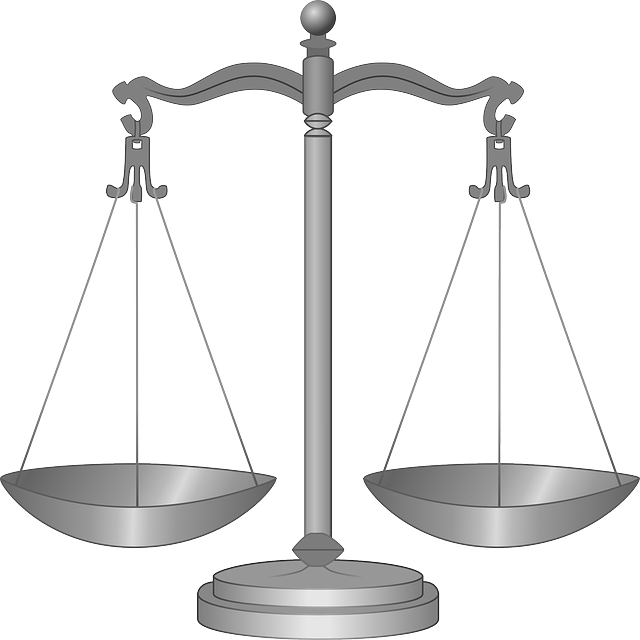 scales-36417_640.png