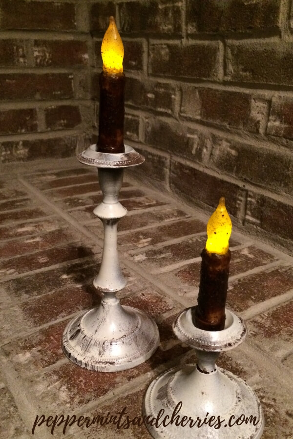 Distressed Primitive Candlesticks DIY www.peppermintsandcherries.com