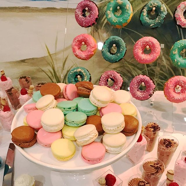 Still beaming about today's bright and playful dessert buffet. 😍♥️#mysweetarray #beachwedding #oceancitymd #oceancitywedding