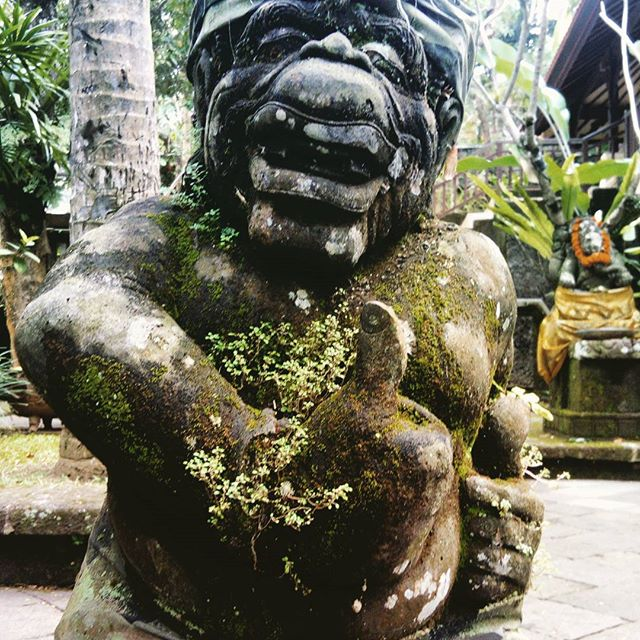 Thumbs up in Bali #ubudvillagejazzfestival #statue #peace #humanity  Statue Series - Number One