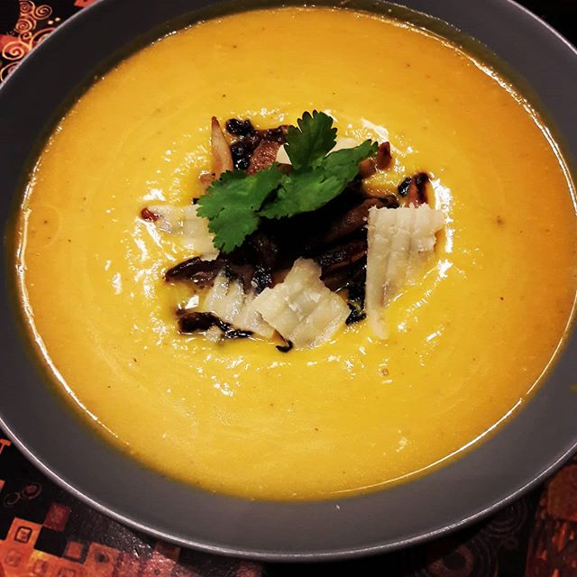 About last night: *Roasted Pumkin Soup with sautéed Shitake Mushrooms.  #basschef  #infinity  #familydinner  #gourmet  #papamakesdinner (*Apparently it was so good it inspired Elioté to take his first poop on the toilet this morning! #everybodypoops #proudparents)