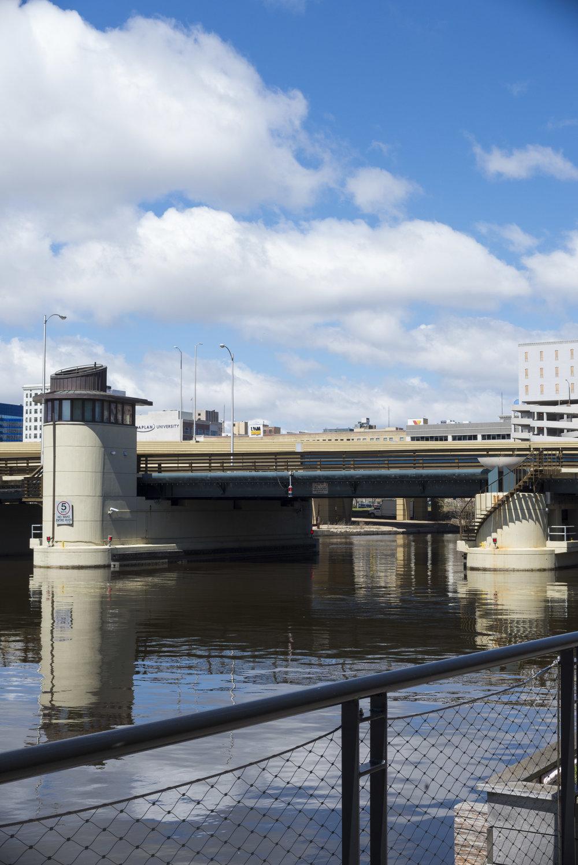 St. Paul Avenue Lift Bridge