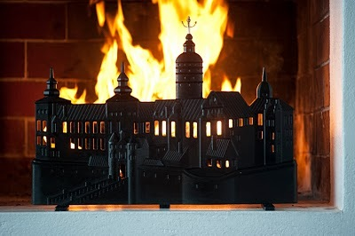 CPB 2101 FIRE PLACE SCREEN CPB 2101, designed by Prince Carl Philip and Eric Ericson in 2010. Inspired by events from the Swedish history, it is the silhouette of the Tre Kronor Royal Palace, which burnt to the ground in 1697.