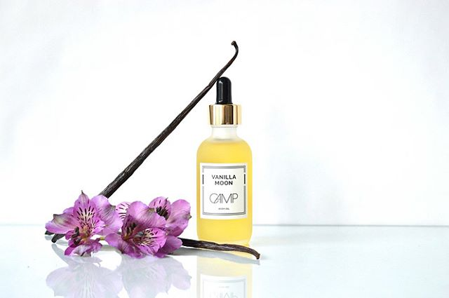 It's back! Vanilla Moon Body Oil - new 50ml size with glass dropper.  Organic vanilla beans steeped in sweet almond oil + healing evening primrose oil, jojoba and gla-rich borage seed oil.
