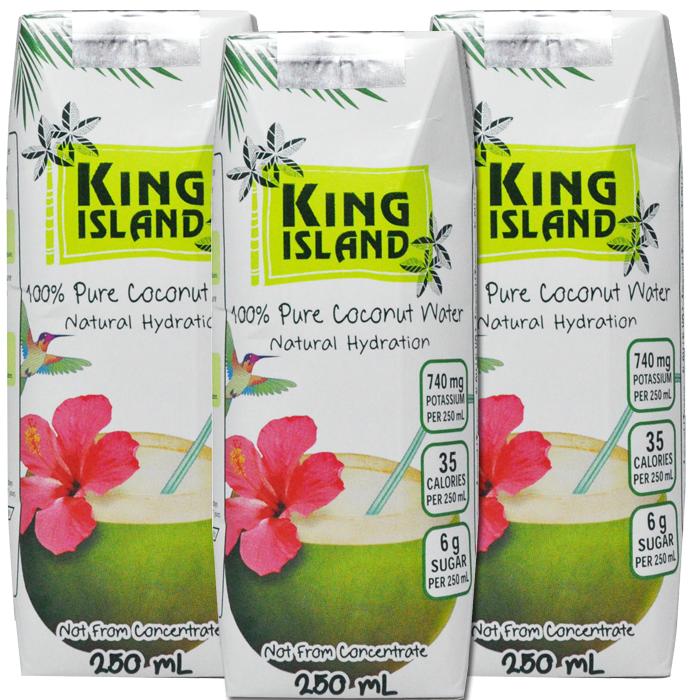 Eau de noix de coco 100% pure 3 x 250mL   L'eau de noix de coco King Island est extraite de jeunes noix de coco vertes de la Thaïlande.  Non fait de concentré. Sans sucre ajouté. Sans agent de conservation. Sans gras. Sans cholestérol. Sans allergène. Sans gluten. Sans OGM. Excellente source de potassium. Source de magnésium.  La façon naturelle et rafraîchissante de se réhydrater rapidement     Ingrédients:   Eau de noix de coco 100 % pure  Format de la caisse: 12 x 3 x 250mL