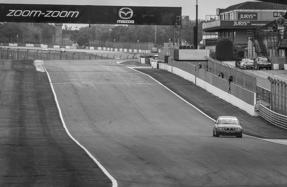 Kumho-BMW-Championship-Donnington-Simon Caldao-006.jpg