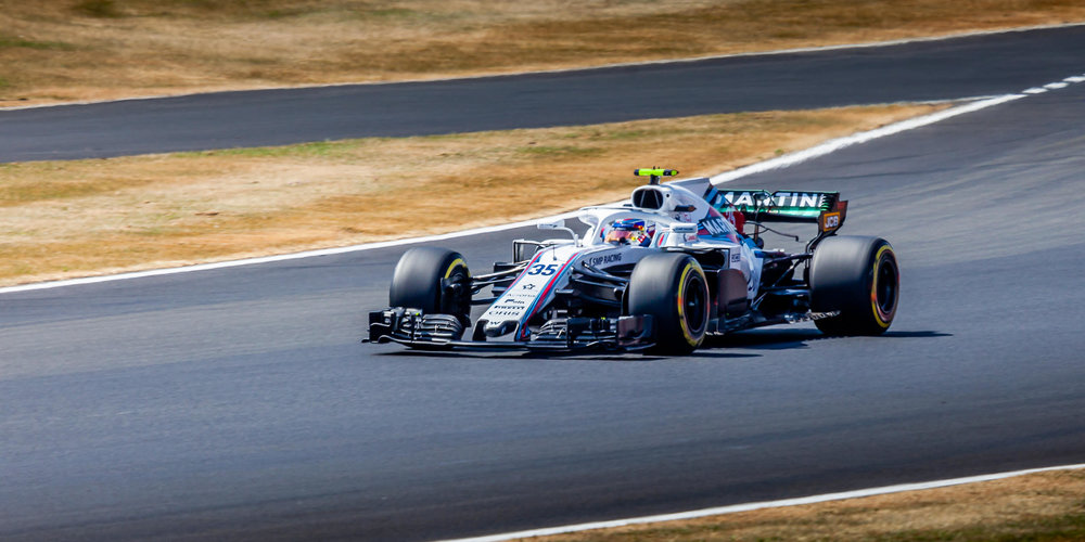 Sergey Sirotkin in the No35 Williams Martini Racing