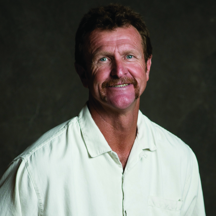 2014 - Robin Yount - During his 20-year career with the Milwaukee Brewers, Robin Yount collected more hits in the 1980s than any other player. This MVP gives back to the community in many ways and has remained a great friend of the Vince Lombardi Cancer Foundation.