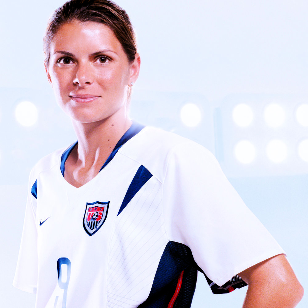 2006 - Mia Hamm - Mia Hamm is widely recognized as the world's best all-around women's soccer player, a pioneer in her sport, and a role model for athletes and fans alike. In 1999, she founded the Mia Hamm Foundation to raise funds for those in need of bone marrow transplants.
