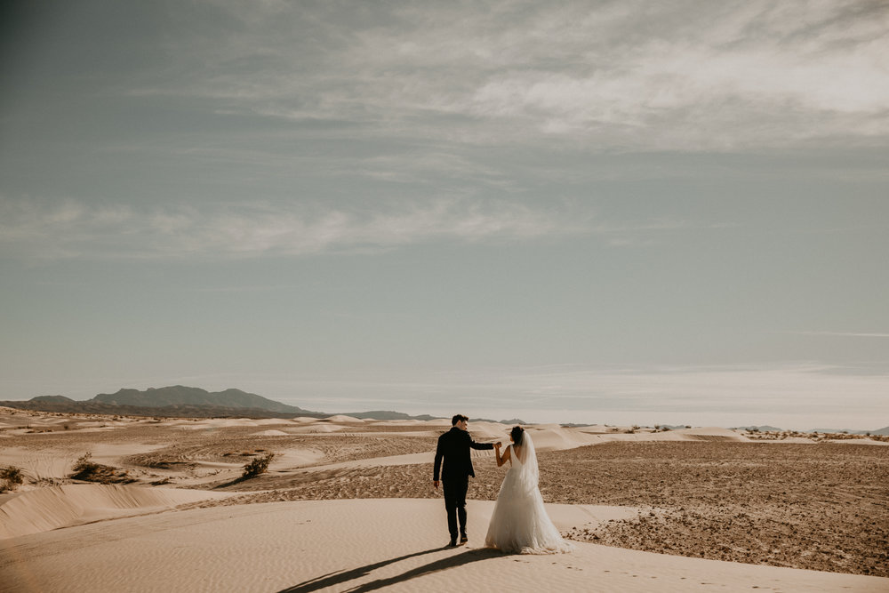 intimate sand dune elopement | Las Vegas, NV