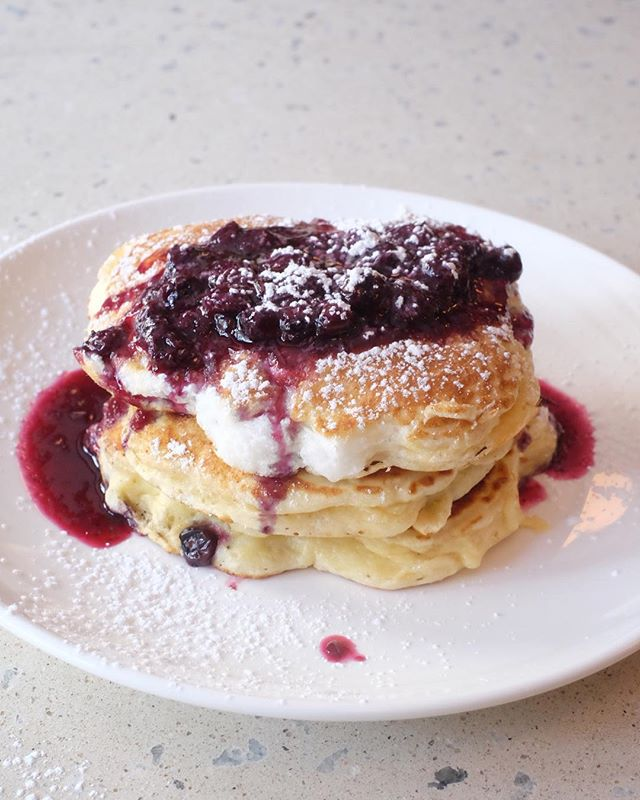 Melt in your mouth. . . . . #brunch #pancakes #kleinbergs #bedstuy #brooklyn